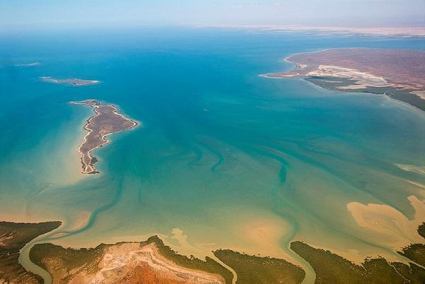 上空から見たエクスマウス湾。画像は Wikipedia からお借りしました。