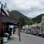 山に囲まれた可愛い金鉱の町 アロータウン
