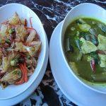 バンコクで食べたポメロと海老のサラダ Yam Som O