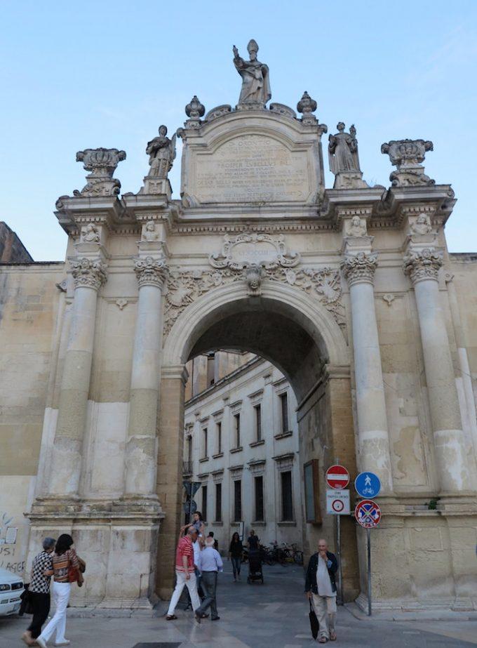 ルディエ門 (Porta Rudiae)