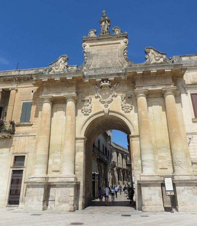 サン・ビアジョ門 (Porta San Biagio)