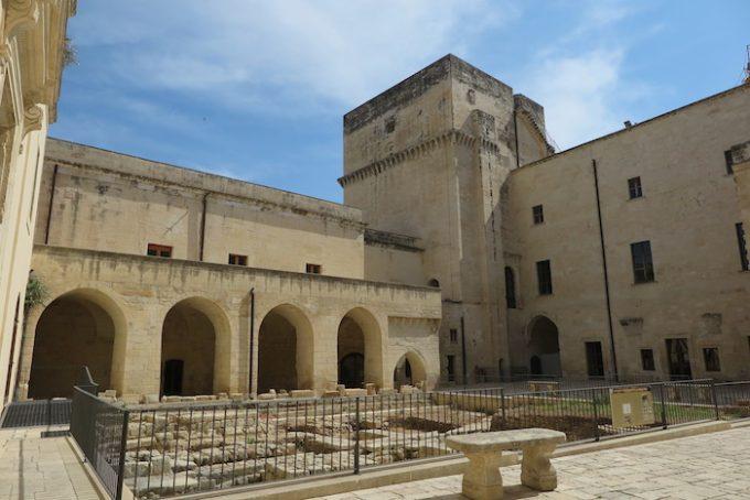 カール5世城 (Castello di Carlo V)